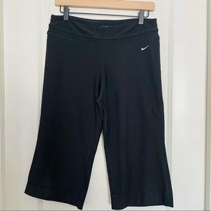 Nike dri fit black  Capri size medium